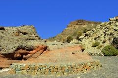 Demi-lune au-dessus de parc national de Teide de bâti Photographie stock libre de droits