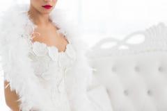 Demi portrait de belle jeune mariée Image stock