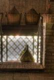 Demijohns del vino nel granaio Fotografia Stock