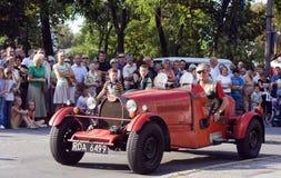 Demo av den gammala bilen i den retro stilen Arkivbilder