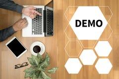 DEMO Demo Preview Ideal Trial Ideal y Demo Preview imágenes de archivo libres de regalías