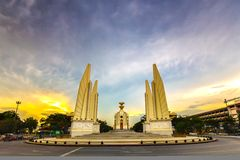 Democratiemonument in Zonsondergang, Bangkok, Thailand Royalty-vrije Stock Foto's