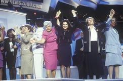 Democratische vrouwenleden van Congres bij de Democratische Overeenkomst van 2000 in Staples Center, Los Angeles, CA Royalty-vrije Stock Afbeelding