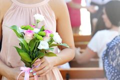 Demoiselle d'honneur le jour du mariage image stock