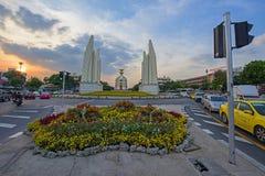 Demokratie-Monument bei Sonnenuntergang Stockfoto