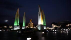 Demokratie-Monument der Videoaufnahmen-1920x1080 1080p HDV auf Lager in Bangkok stock footage
