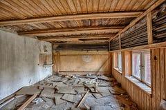 Demolerat rum med wainscotingen Royaltyfria Foton