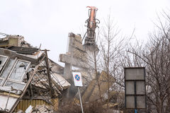Demolição da construção velha da fábrica - Polônia Fotografia de Stock Royalty Free