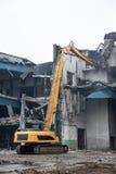 Demolição da construção velha da fábrica - Polônia Fotografia de Stock