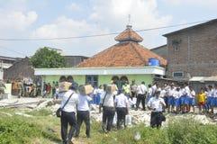A demolição das casas na terra possuiu a pinta KAI em Semarang Fotos de Stock