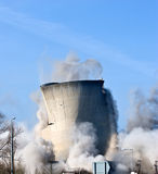 Demolição de uma central elétrica Fotografia de Stock
