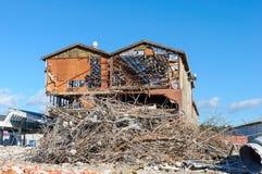 Demolição de uma construção industrial velha Imagens de Stock Royalty Free