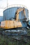 Demolição de uma construção velha da fábrica Fotos de Stock Royalty Free