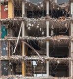 Demolição de uma multi construção do assoalho Fotografia de Stock Royalty Free