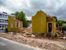 Demolición de una casa Imagenes de archivo