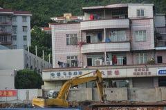 Demolición del mecánico en SHENZHEN CHINA ASIA imagen de archivo