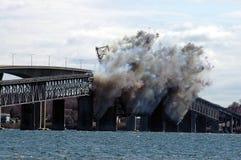 Demolierung der Jamestown Brücke Stockbilder