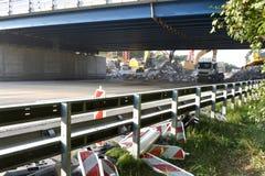Demolierung der Straßenbrücke Stockbilder
