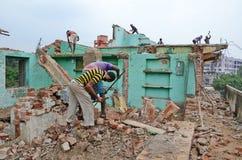 Demolierung des alten Baus Stockfotos