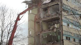 Demolierung des Hauses stock video