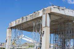 Demolierung einer städtischen Brücke Lizenzfreie Stockfotos