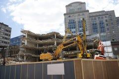 Demolierung eines alten Industriegebäudes Lizenzfreies Stockfoto