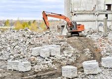Demolierung und Abbau der Reste des großen industri Stockbilder