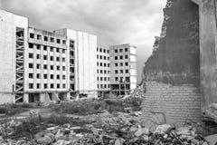 Demolierung und Abbau der Reste des großen industri Stockfotos