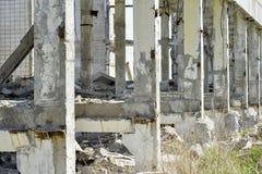 Demolierung und Abbau der Reste des großen Industrieunternehmens Lizenzfreie Stockfotos