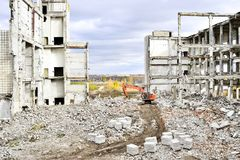 Demolierung und Abbau der Reste des großen Industrieunternehmens Lizenzfreies Stockbild