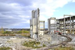 Demolierung und Abbau der Reste des großen Industrieunternehmens Stockbilder