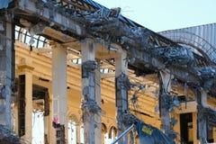 Demolished destructed ruínas da construção imagem de stock