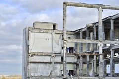 Demolition and dismantling of the remnants of the large industri Royalty Free Stock Photos
