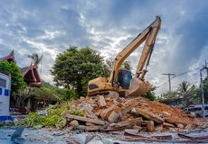 Free Demolition Of Buildings Royalty Free Stock Photo - 103432135