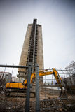Demolizione della costruzione di 25 pavimenti Fotografie Stock