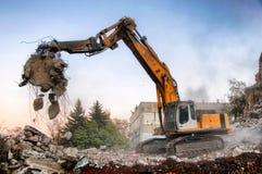 Demolizione delle costruzioni a urbano Fotografie Stock Libere da Diritti