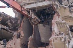 Demolizione delle costruzioni a urbano Immagini Stock Libere da Diritti