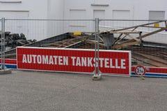 Demolizione di una stazione di servizio fotografie stock libere da diritti