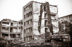 Demolizione di vecchia costruzione Fotografie Stock Libere da Diritti