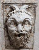 Demon i sten Arkivfoton