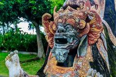 Demon statuy Tirta Gangga wody pałac, Bali wyspa, Indonezja fotografia royalty free