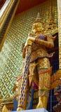 Demone in guardia, kaew di phra del wat, Bangkok, Tailandia Fotografia Stock
