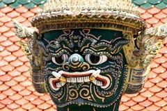 Demonio del guarda en palacio magnífico en Bangkok Tailandia Imagenes de archivo