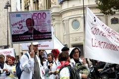 Demonstation på lön och arbetslöshet i Paris Arkivbilder