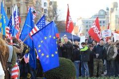 Demonstração Antiamerican em Praga imagens de stock