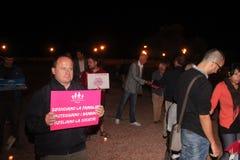 A demonstração contra as famílias alegres que movem Manuf derrama Tous fotos de stock royalty free