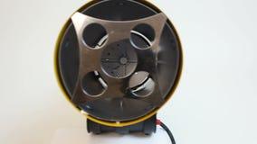 Demonstração da arma de calor industrial moderna, aquecimento de territórios extensivos filme