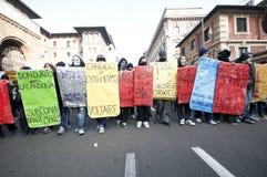 Demonstração de estudante em Milão dezembro 14, 2010 Imagens de Stock Royalty Free
