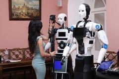 Demonstração dos robôs ` De Rússia da descoberta do ` da exposição no palácio de Petrovsky moscow 24 07 2017 foto de stock royalty free