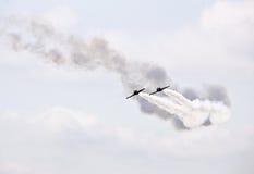 Demonstração militar do vôo na mostra de ar 2009 Imagem de Stock